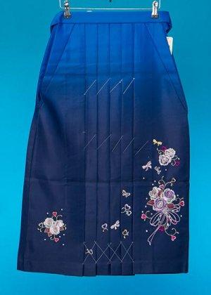 HA81-5女子袴レンタル(紐下81身長140-145)ブルーぼかし 花束の刺繍 [夢二]【新品未使用】