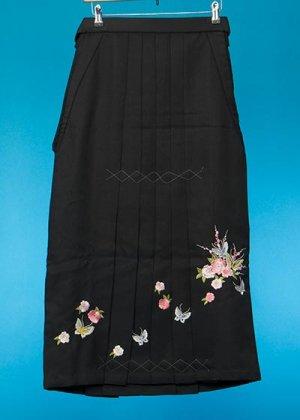 HA87-5女子袴レンタル(身長150-155前後)黒 梅と蝶