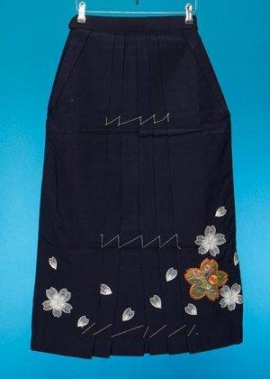 HA87-6女子袴レンタル(身長150-155)紺 桜刺繍