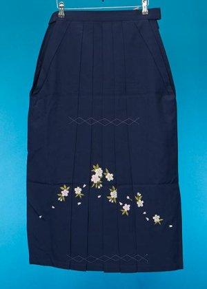 HA88-1女子袴レンタル 紐下88(身長150-155)紺 桜刺繍