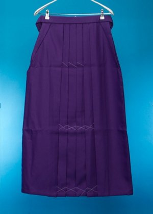 HA99-11ややワイド女袴レンタル(身長165-170ヒップ70-110)紫 無地 前幅広め