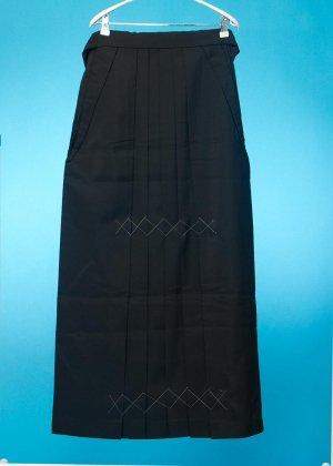 普通サイズの女袴  (身長155-160cm前後 普通巾)黒無地   HA91-17