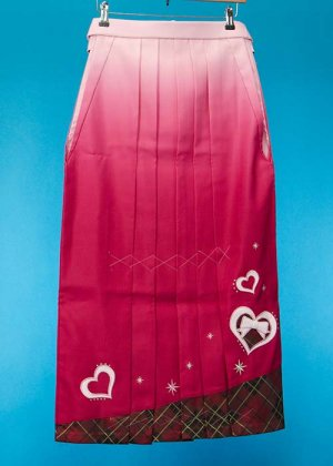 HA91-22女袴レンタル  (身長155-160普通巾)ピンクぼかし/裾チェック ハートにリボン