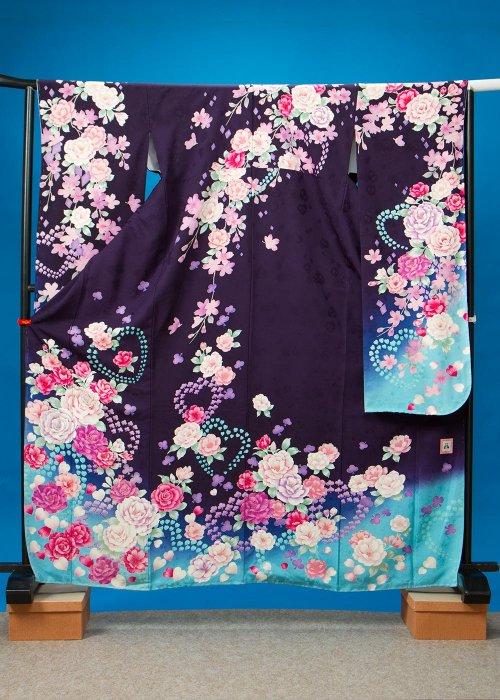 F516トール振袖レンタル 裄70(身長147-167ヒップ75-105) 正絹 濃い紫に水色ぼかし 薔薇とハート [anan] 【新品同様】
