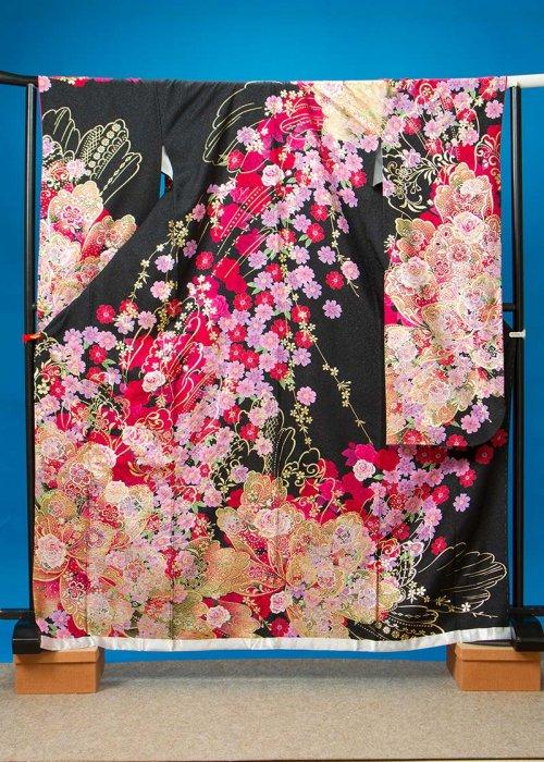 F517トール振袖レンタル裄70(身長150-170ヒップ72-102) 正絹 黒 薔薇 金彩[GLOMOUS]グラマス【新品同様】