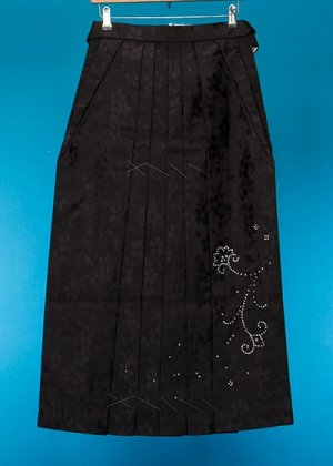 HA91-21女袴レンタル(身長155-160cm普通巾)黒 ラインストーン【新品同様】