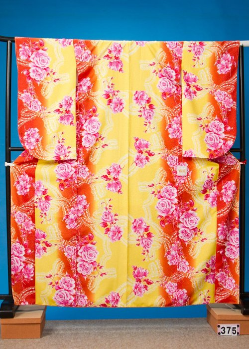 S375小振袖レンタル 裄69 黄色とオレンジのグラデ [Doll]トリンドル玲奈【新品同様】