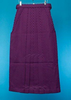 HA96-10女袴レンタル 紐下96(身長163-168 普通巾)紫 矢羽根模様【新品同様】