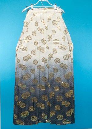 MH84-1男袴レンタル(身長150前後 胴回り100まで)白黒ぼかし 金の桔梗紋  2021年1月予約あり