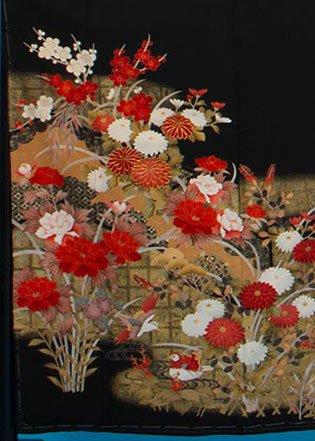 TK188留袖レンタル裄69(身長140-155ヒップ71-101)正絹 金彩 牡丹と菊[本金使用]
