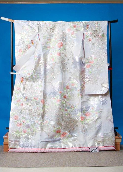 U612ワイド打掛レンタル裄68(身長152-172ヒップ89-119)孔雀と牡丹 色刺繍