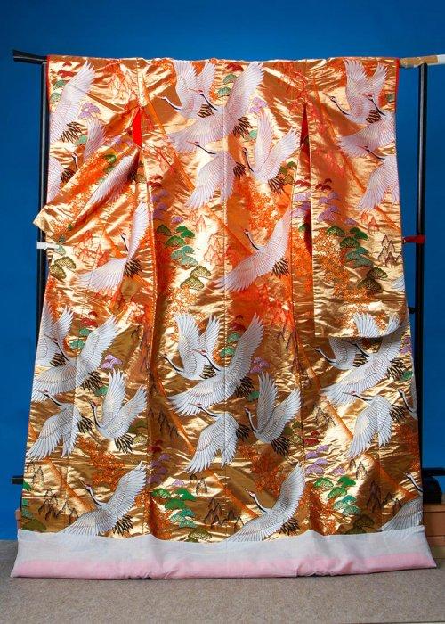 U663トール打掛レンタル裄67(身長158-178ヒップ87-117)金系 オレンジゴールド〜ゴールドグラデーション 松に鶴