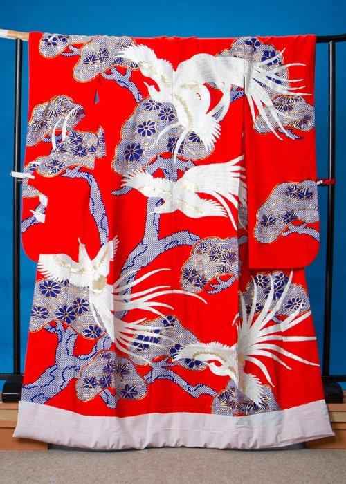 U661打掛レンタル裄67(身長148-168ヒップ86-116)赤系  鶴 鹿の子の松