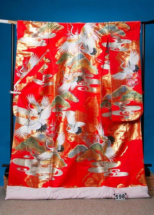 トールサイズ打掛レンタル(身長180cm前後まで)赤系 金彩 松に鶴 U598