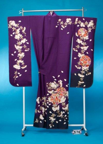 F576トール振袖レンタル 裄69(身長146-166ヒップ72-102)紫系 桜にまり