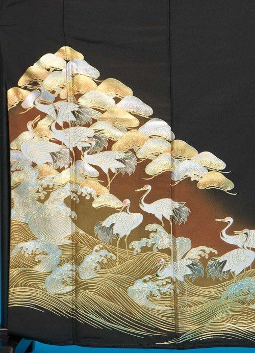 T49トール留袖レンタル 裄67(身長146-166ヒップ78-103) 波に鶴と松  金彩