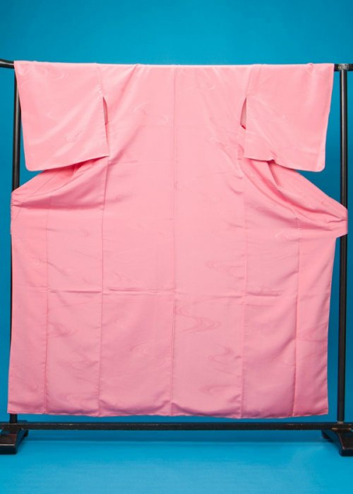 SH 136袖短い色無地着物 裄67(身長140-160ヒップ71-101)日本製 ピンク
