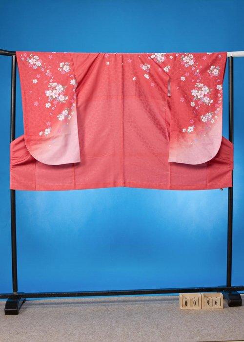 S96小振袖レンタル 裄70(ヒップ70-102)赤味のあるサーモンピンク 桜