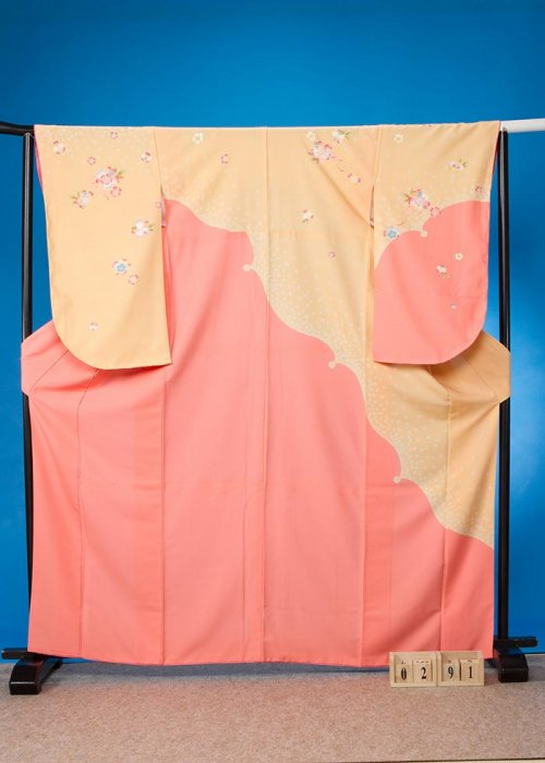S291小振袖レンタル裄70(ヒップ70-100)黄色系  山吹色/サーモンピンク