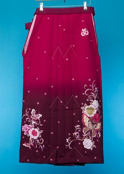 HA95-55ややワイド女袴レンタル (身長160-165(ブーツの場合165-170)ヒップ70-110) 紫系ぼかし 薔薇と蝶  [an an] 前幅広め