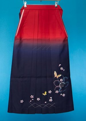 HA96-1女袴レンタル  (身長163-168 普通巾) 赤紺ぼかし 金彩 桜と蝶