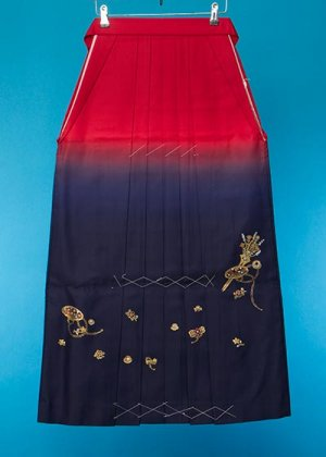HA96-2女袴レンタル  (身長163-168 普通巾) 赤紺ぼかし 金彩 かんざし