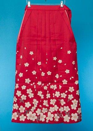 HA96-7女袴レンタル  (身長163-168 普通巾)  赤系 桜模様 友禅