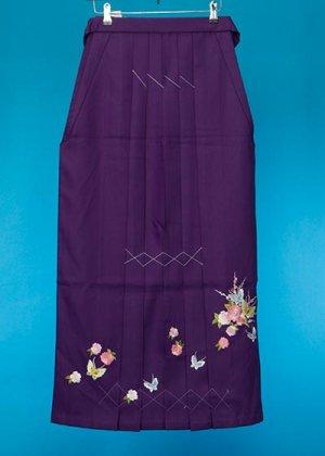 HA99-15トールややワイド女袴レンタル(身長165-170(ブーツの場合170-175)ヒップ70-110)紫 花に蝶 前幅広め