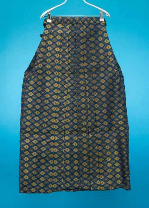 MH93-20男袴レンタル(身長170-175普通体)紺に金の菊菱模様