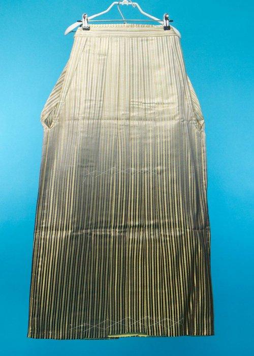 MH97-7トール男袴レンタル紐下97(身長180-185cm)黒ぼかし 金とオーロララメストライプ