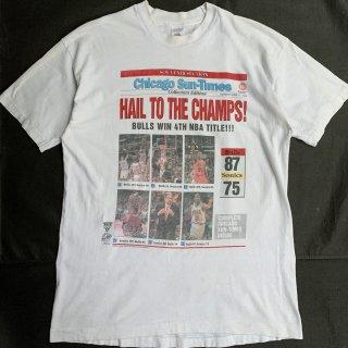 90s VINTAGE CHICAGO BULLS  RODMAN CHAMPS T-SHIRT <BR>90s シカゴブルズ サンタイムズ ロッドマン Tシャツ