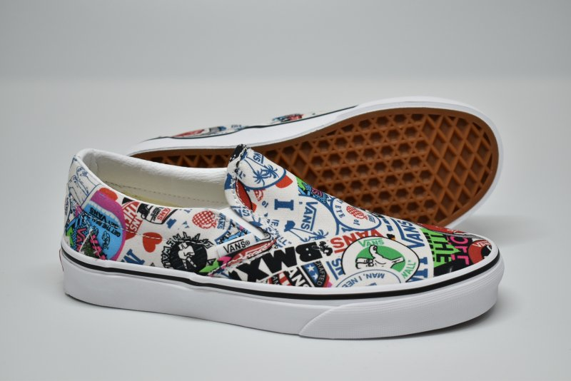 <img class='new_mark_img1' src='https://img.shop-pro.jp/img/new/icons16.gif' style='border:none;display:inline;margin:0px;padding:0px;width:auto;' />VANS/ヴァンズ Classic Slip-on