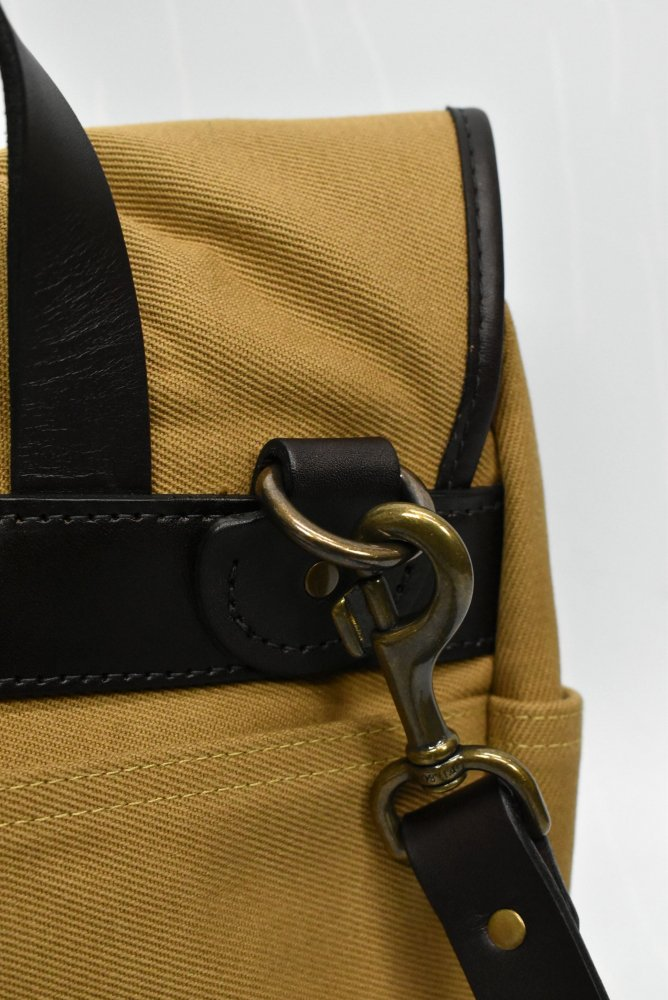 <img class='new_mark_img1' src='https://img.shop-pro.jp/img/new/icons14.gif' style='border:none;display:inline;margin:0px;padding:0px;width:auto;' />FILSON/フィルソン SMALL RUGGED TWILL FIELD BAG