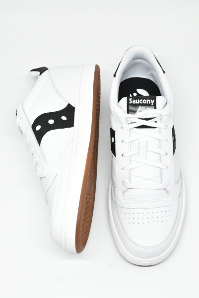 <img class='new_mark_img1' src='https://img.shop-pro.jp/img/new/icons14.gif' style='border:none;display:inline;margin:0px;padding:0px;width:auto;' />saucony/サッカニー JAZZ COURT