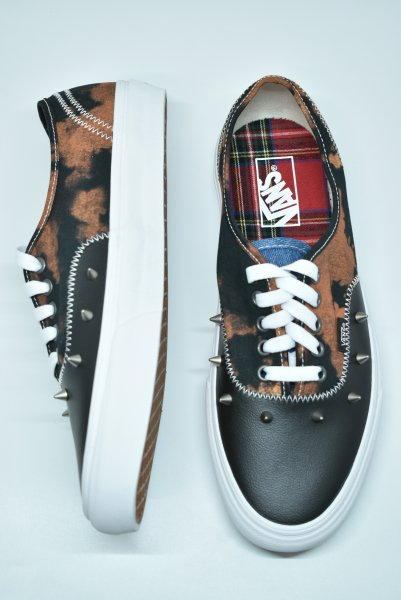 <img class='new_mark_img1' src='https://img.shop-pro.jp/img/new/icons14.gif' style='border:none;display:inline;margin:0px;padding:0px;width:auto;' />VANS / ヴァンズ Authentic Tartan Daze