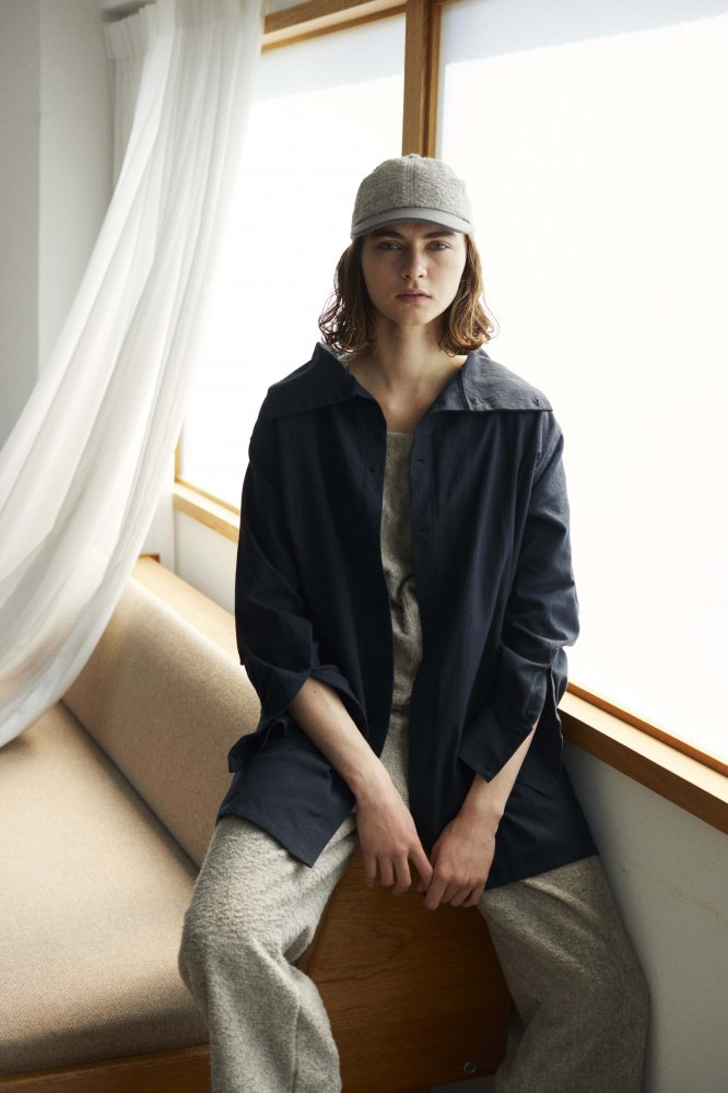 <img class='new_mark_img1' src='https://img.shop-pro.jp/img/new/icons14.gif' style='border:none;display:inline;margin:0px;padding:0px;width:auto;' />Sana / サナ Stand Collar Shirt