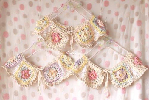 SALE☆¥1000!!手編みのお花畑つけ衿
