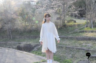 <img class='new_mark_img1' src='//img.shop-pro.jp/img/new/icons1.gif' style='border:none;display:inline;margin:0px;padding:0px;width:auto;' />SHINPIN「remake blouse dress」(milk)