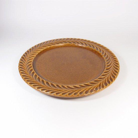 はしもとさちえ│5寸リム皿(茶・彫)