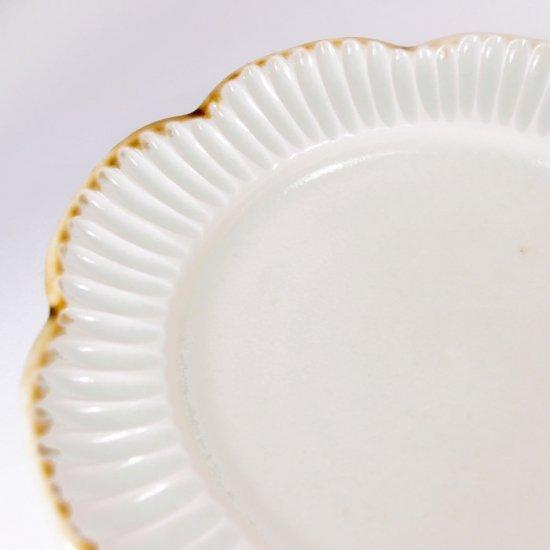 水谷和音│しのぎ輪花リム5寸皿(灰釉)