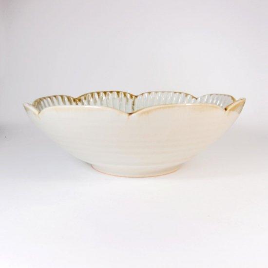 水谷和音│しのぎ輪花6寸鉢(灰釉)