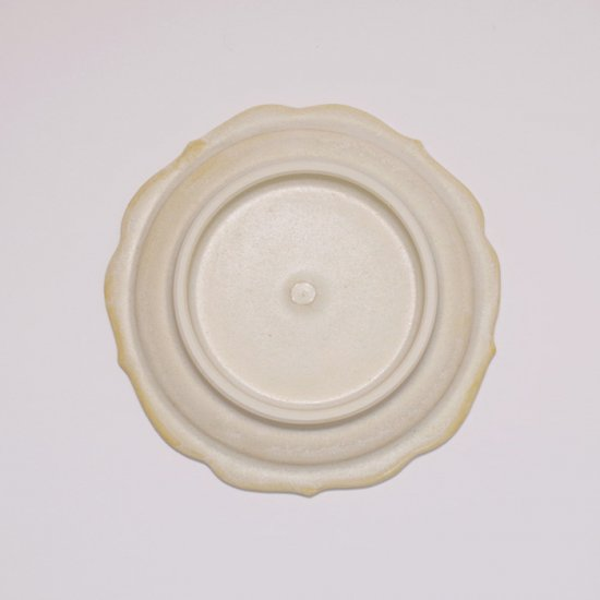後藤奈々|輪花小皿(チタン) 白