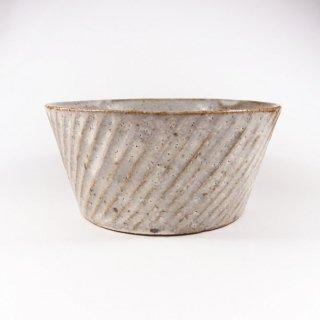 伊藤豊|ナナメシノギ鉢(粉引)【美濃焼】