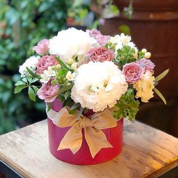 [ボックススタイル]とっておきのミルクティをバラの咲く秘密の花園で。