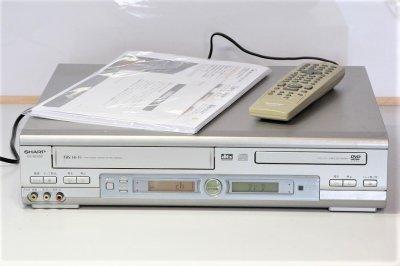 SHARP ビデオ一体型DVDプレーヤー DV-NC550 【中古品】