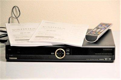 TOSHIBA VARDIA デジタルチューナー搭載ハイビジョンレコーダー HDD1TB RD-E1004K 【中古品】