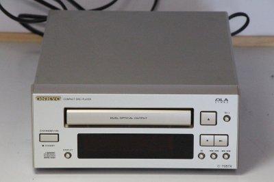 ONKYO INTEC205 CDプレーヤー シルバー C-705TX(S)【中古品】