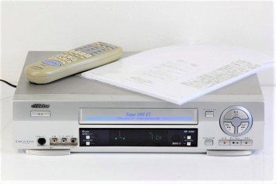 VICTOR HR-S300 SVHSビデオ【中古品】