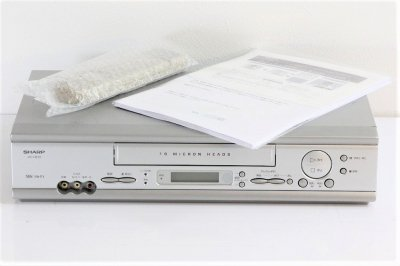 シャープ VHSビデオデッキ VC-H210【中古品】