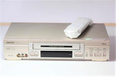 シャープ VHSビデオデッキ VC-HF90【中古品】